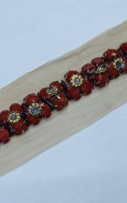 Декоративный элемент на сетке с камнями 33-20/39 по выгодной стоимости в Екатеринбурге